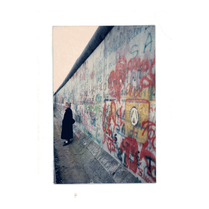 By the Berlin Wall on the western side, Winter 1987. (Anna Funder)