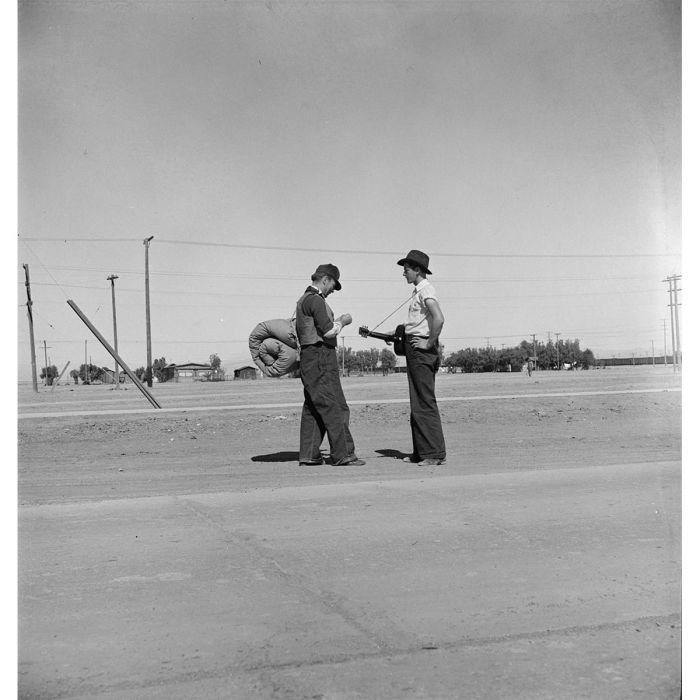 Migrant workers on the Calipatria road, Imperial County, California, 1939. Photo Dorothea Lange. (Library of Congress)
